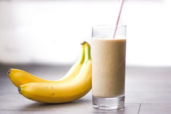 عصير الموز باللبن يمد الجسم بالكربوهيدرات والبوتاسيوم والكالسيوم ومضادات الأكسدة